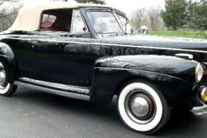 1941 Ford Super DeLuxe Photo