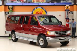 2000 Ford Econoline Wagon XLT