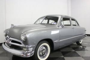 1950 Ford Custom Sedan Photo