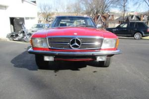 1983 Mercedes-Benz 200-Series Photo