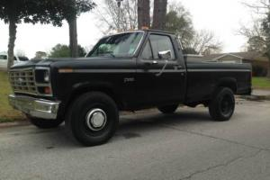 1984 Ford F-250 Photo