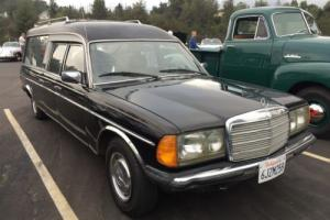 1979 Mercedes-Benz 200-Series 240D Photo
