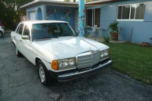 1982 Mercedes-Benz 300-Series Photo