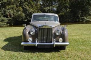 1957 Rolls-Royce Silver Cloud 4D