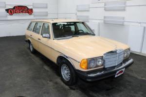 1980 Mercedes-Benz 300-Series Runs Drives Body Int Good 3L 5 cyl 4 spd auto Photo