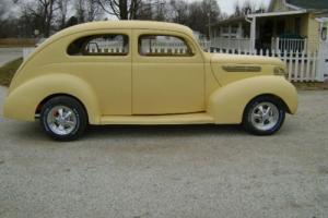 1938 Ford 2-dr sedan Photo