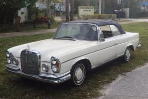 1963 Mercedes-Benz 200-Series 220 SE