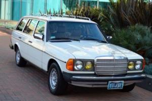 1985 Mercedes-Benz 300-Series 300TD 300TDT 300 td tot W123 Photo