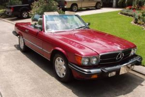 1989 Mercedes-Benz 500-Series SL Convertible and Coupe