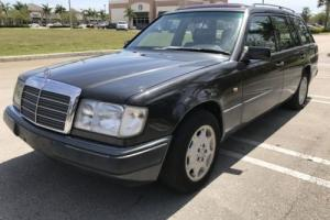1990 Mercedes-Benz 300-Series 250TD