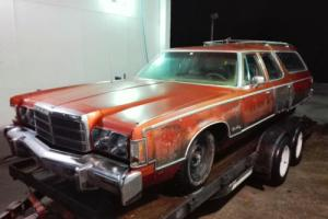 1977 Chrysler Town & Country Station Wagon Photo