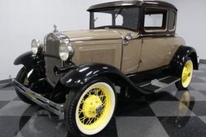1930 Ford 2 Door Sedan