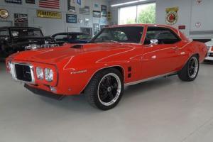 1969 Pontiac Firebird -- Photo