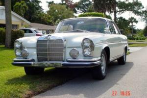 1964 Mercedes-Benz 200-Series