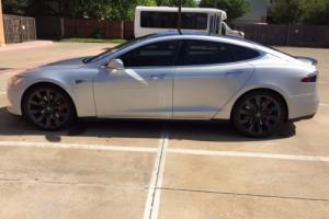 2014 Tesla Model S Photo
