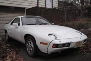 1981 Porsche 928 --