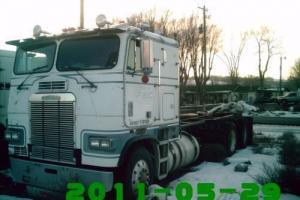 1985 FREIGHTLINER FLT 8654T Sleeper