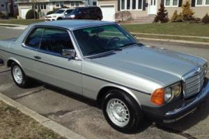 1982 Mercedes-Benz 300-Series CD
