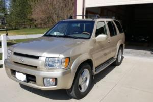 2001 Infiniti QX4 Luxury SUV