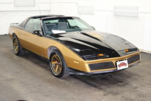 1984 Pontiac Trans Am Runs Drives Body Inter VGood 5LV8 5 spd manual Photo