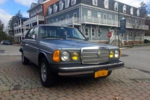 1983 Mercedes-Benz 300-Series Photo