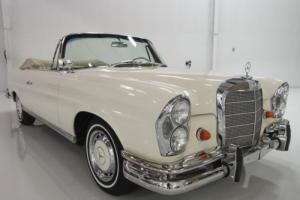 1963 Mercedes-Benz 200-Series Photo