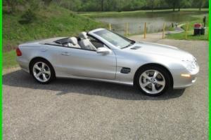 2004 Mercedes-Benz SL-Class Photo