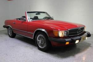1987 Mercedes-Benz 500-Series 560 SL 2dr Convertible Photo