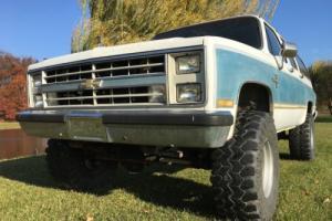 1986 Chevrolet Suburban Photo