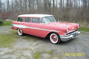 1957 Pontiac Wagon Safari Wagon Photo