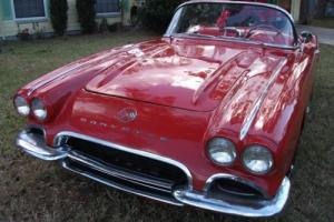 1962 Chevrolet Corvette Cornvertible/Hardtop
