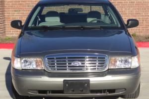 2004 Ford Crown Victoria 4.6 V8 SFI
