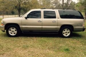 2000 Chevrolet Suburban LT Photo