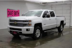 2015 Chevrolet Silverado 3500 4WD Crew Cab 153.7 High Country