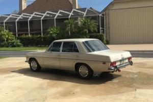 1969 Mercedes-Benz 200-Series Photo