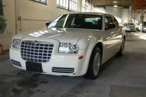 2006 Chrysler 300 Series Base 4dr Sedan