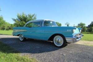 1957 Chevrolet Bel Air/150/210 gold package
