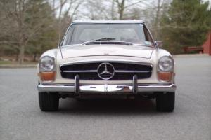 1972 Mercedes-Benz 200-Series 280SL Photo