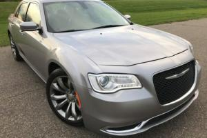 2016 Chrysler 300 Series 300
