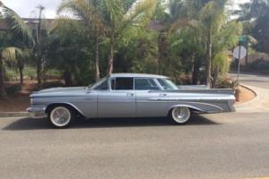 1959 Pontiac Bonneville Photo