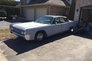1964 Lincoln Continental convertible Photo