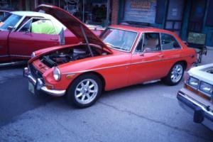 1972 MG MGB GT Photo