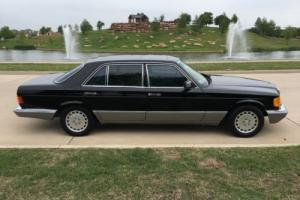 1987 Mercedes-Benz 400-Series Photo