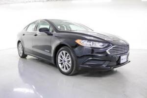 2017 Ford Fusion Hybrid SE Photo