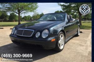 2001 Mercedes-Benz CLK-Class LOW MILES! Photo