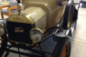 1915 Ford Model T Roadster