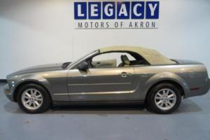 2005 Ford Mustang --