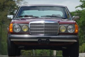1984 Mercedes-Benz 300-Series