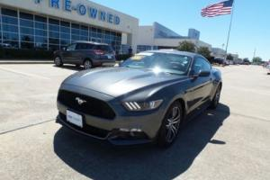 2017 Ford Mustang EcoBoost Fastback Premium Rear Cam
