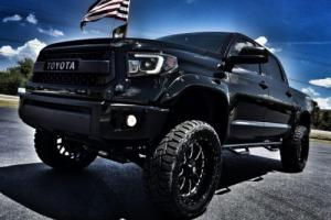 2016 Toyota Tundra CUSTOM BLACKOUT CREWMAX 4X4 LEATHER Photo